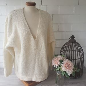 FREE PEOPLE cozy over sized Alpaca v-neck sweater
